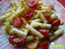 Fasolka szparagowa z pomidorkami