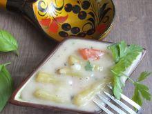 Fasolka w maślanym sosie cebulowo-pietruszkowym