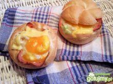 Faszerowane bułeczki z jajkiem na ciepło