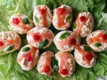 Faszerowane jaja z wedzonym łososiem
