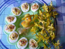 Faszerowane jajka z łososiem wędzonym