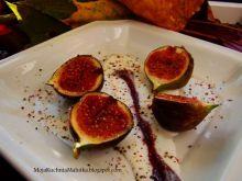 Figi w karmelu z jogurtem greckim