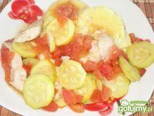 Filet drobiowy z cukinia i pomidorami