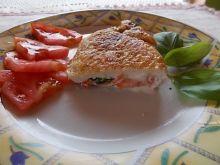 Filet nadziewany pomidorem i bazylią