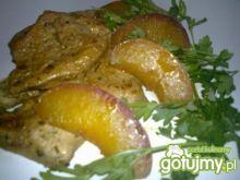 Filet z brzoskwinią.