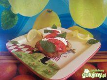 Filet z fetą i pomidorem.