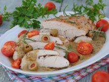 Filet z indyka w oliwkowo-ziołowym sosie