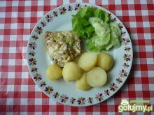 Filet z indyka z cebulą i serem