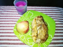 Filet z kurczaka w pieczonych jabłkach