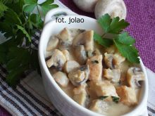 Filet z kurczaka w sosie pieczarkowo-serowym