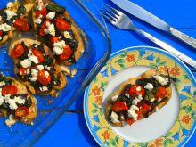 Filet z kurczaka z botwinką, pomidorami i fetą