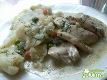 Filet z kurczaka z marchewką i groszkiem