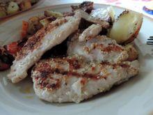 Filet z kurczaka z marynacie miodowo-sezamowej
