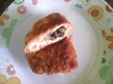 Filet z kurczaka z pieczarkami i serem żółtym