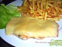 Filet z kurczaka z szynką i serem.
