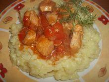Filet z kurczaka z warzywami podany z ryżem