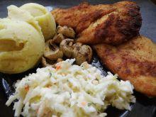 Filet z kurczaka z ziemniakami i sałatką