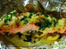 Filet z łososia z duszonym porem
