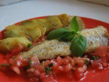 Filet z mintaja z pomidorami i bazylią