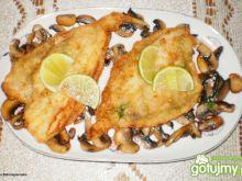 Filety z flądry na pieczarkach