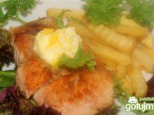 Filety z łososia z masłem cytrynowym