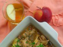 Filety z udźca kurczaka z jabłkami