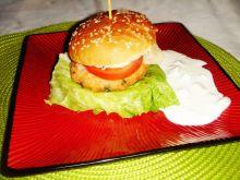 Fishburgery z pstrągiem łososiowym