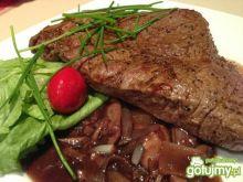 Francuski stek wołowy Charolais.