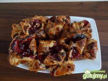 Francuskie ciasteczka z wiśniami i migda