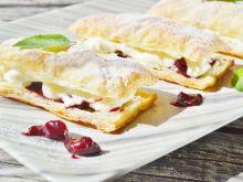 Francuskie ciastka z wiśniami