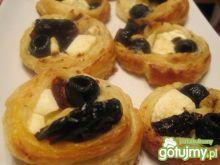 Francuskie krążki z fetą, oliwkami