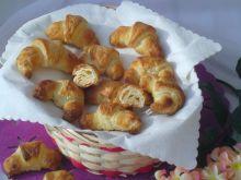 Francuskie rogaliki z białą czekoladą i kokosem