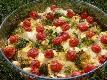 Frittata z brokułem, fetą i pomidorkami