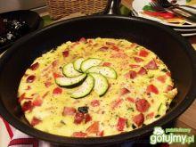 Frittata z cukinią,wędliną i pomidorem