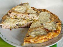 Frittata z kiełbasą i pieczarkami