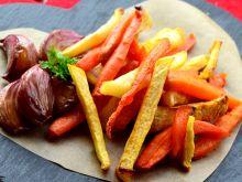Frytki z marchewki oraz czarnej rzepy