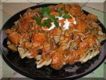 Fusilli, kurczak,pomidory i brokuł