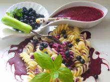 Fusilli ( świderki) w jagodowe kropki