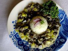 Gęsie żołądki w sosie cukiniowo-jarmużowym