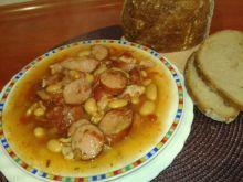 Gęsta zupa fasolowa