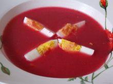 Gęsty barszcz czerwony z jajkiem