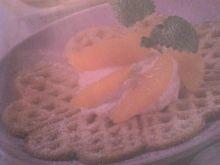 Gofry drożdżowe z polewą waniliową