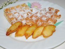 Gofry waniliowe z karmelizowanymi jabłkami