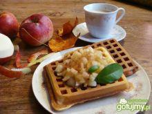 Gofry z jabłuszkami