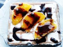 Gofry ze śmietaną i mandarynkami