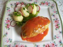 Gołąbki z młodej kapusty w sosie pomidorowym