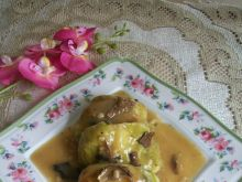 Gołąbki z pęczakiem i sosem grzybowym