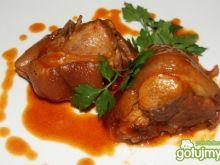 Golonka wieprzowa w czerwonym sosie