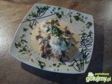Gotowana pierś kurczaka w sosie kurkowym
