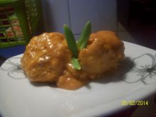 Gotowane pulpeciki z manną w sosie pomidorowym